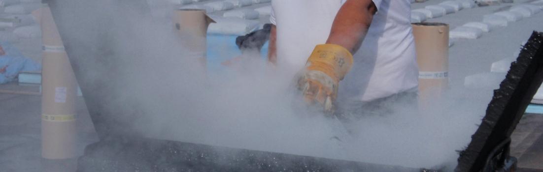 bitumen-smelten-in-ketel